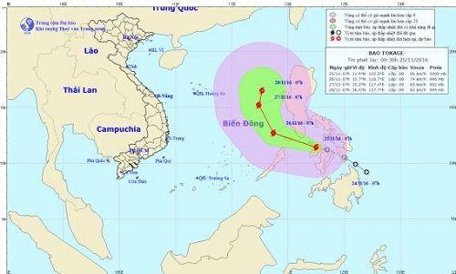 Bão Tokage gió giật cấp 10 đang di chuyển vào Biển Đông - Ảnh 1