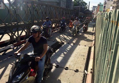 TP HCM: Thông xe 2 cầu sắt Hang Trong sau 15 ngày thi công - Ảnh 1