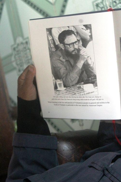 Người đàn ông Quảng Trị lưu giữ cẩn thận bức ảnh chụp Chủ tịch Fidel Castro  - Ảnh 6