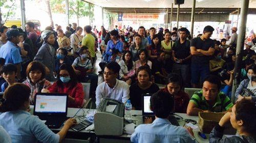 Ga Sài Gòn vẫn còn 100.000 vé tàu Tết Đinh Dậu chưa có người mua - Ảnh 2