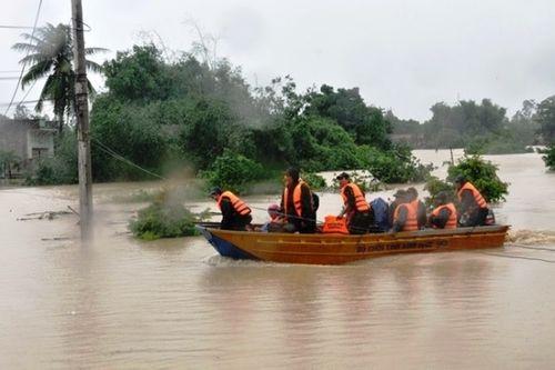 18 người chết và mất tích, 18 người bị thương sau mưa lũ ở miền Trung - Ảnh 1