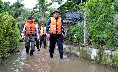 Bình Định đề xuất Chính phủ hỗ trợ 300 tỷ đồng khắc phục hậu quả mưa lũ - Ảnh 1