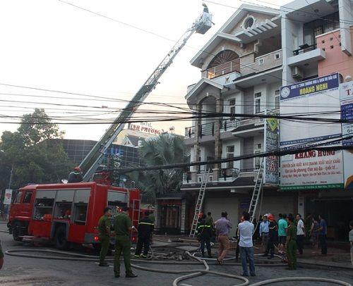 Cần Thơ: Cháy nhà lúc rạng sáng, 4 người hoảng loạn kêu cứu - Ảnh 1