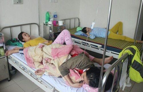 Xác định nguyên nhân khiến hơn 100 người dân Huế bị ngộ độc khi ăn bánh mì - Ảnh 1