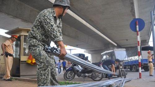 Đề xuất tịch thu xe cải tiến kéo, xe ba gác thương binh giả - Ảnh 1
