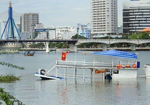 Vụ chìm tàu Thảo Vân 2: Phó giám đốc Sở Giao thông Đà Nẵng bị khiển trách  - Ảnh 1