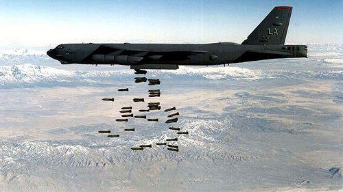 """""""Pháo đài bay"""" B-52 của Mỹ oanh tạc khiến 20 thường dân Syria thiệt mạng - Ảnh 1"""
