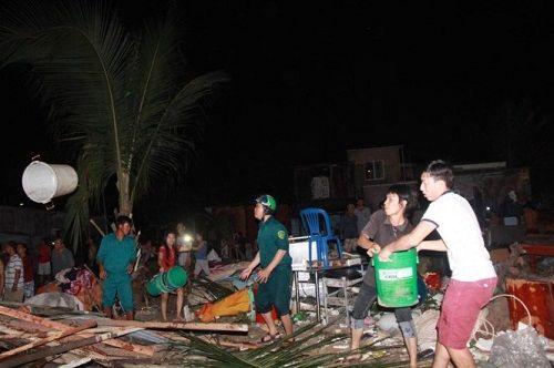 Cháy dữ dội ở Nha Trang, hơn 40 căn nhà chìm trong biển lửa - Ảnh 2