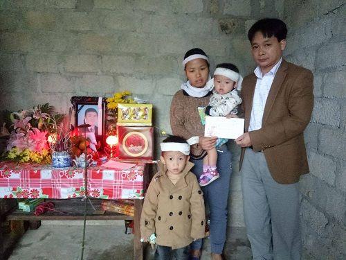 Hàng trăm suất quà Tết đến với người nghèo ở Hà Tĩnh - Ảnh 5