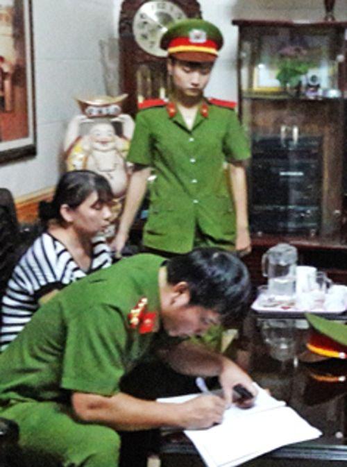 """Bóc gỡ đường dây lừa đảo xin việc vào bệnh viện """"siêu khủng"""" ở Nghệ An - Ảnh 2"""