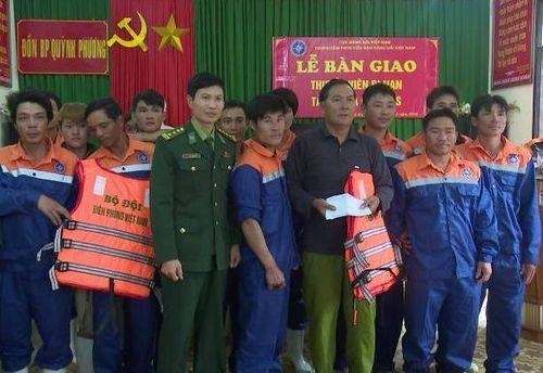 Vụ tàu cá Nghệ An bị đâm: Truy tìm chiếc tàu gây tai nạn rồi bỏ chạy - Ảnh 3