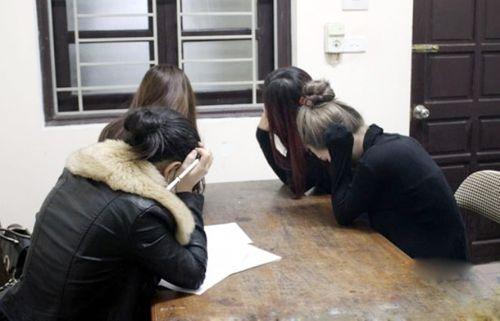 Phá đường dây sinh viên bán dâm giá 4 triệu đồng/lượt - Ảnh 1