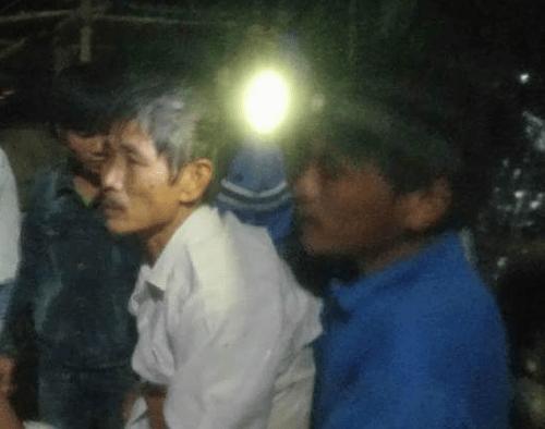 Hàng chục thanh niên bơi ra cứu người trên sông Ngàn Phố - Ảnh 1