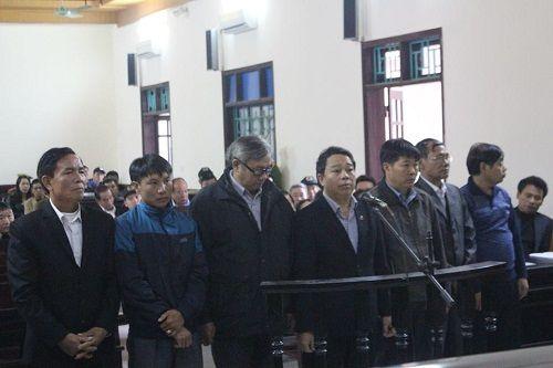 Án tù cho nguyên chủ tịch huyện gây thất thoát hơn 10 tỷ đồng - Ảnh 1