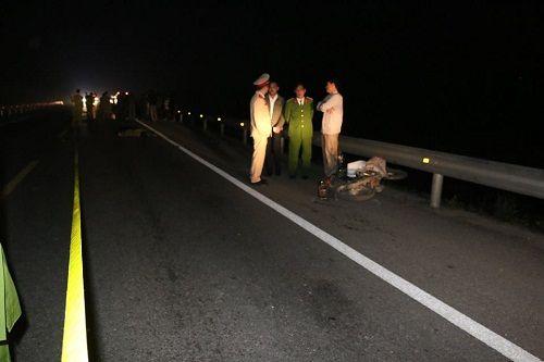 Hà Tĩnh: 3 người thương vong sau va chạm xe máy trong đêm - Ảnh 1