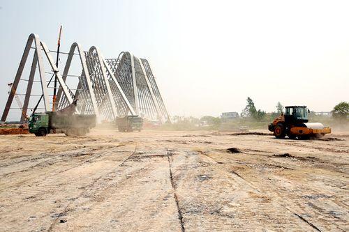 Quảng Ninh lên tiếng về cổng tỉnh gần 200 tỷ, lớn nhất Việt Nam - Ảnh 2