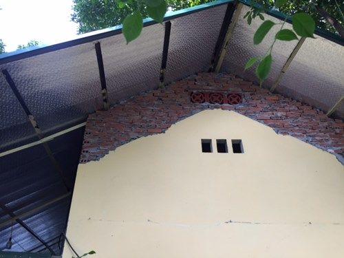 Cưỡng chế tháo dỡ công trình trái phép ở Văn Miếu - Ảnh 1