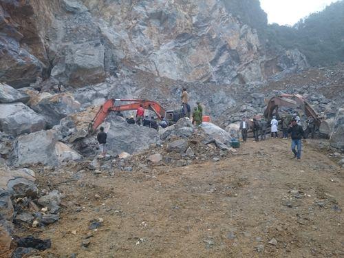 Nghệ An: Sập mỏ khai thác đá, ít nhất 3 người đã tử vong - Ảnh 1