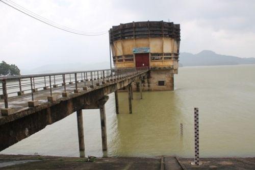 Xả lũ hồ Kẻ Gỗ: Hà Tĩnh 'báo động' trước giờ G - Ảnh 1