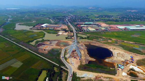 Cổng chào 200 tỷ ở Quảng Ninh lớn nhất Việt Nam - Ảnh 1