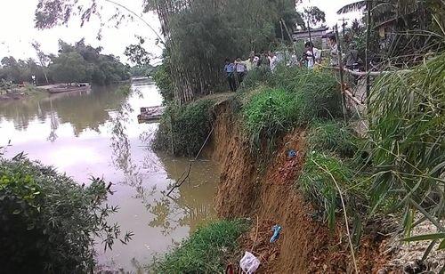 Thừa Thiên – Huế: Sạt lở nghiêm trọng bờ sông Bồ, đe dọa gần 100 hộ dân - Ảnh 4