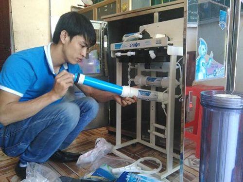 Nhà hảo tâm đưa nước sạch đến với 3.000 học sinh, giáo viên ở Hà Tĩnh - Ảnh 4