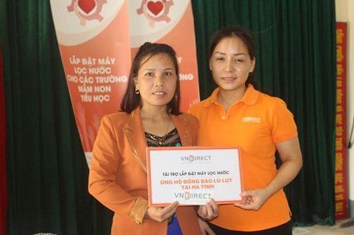 Nhà hảo tâm đưa nước sạch đến với 3.000 học sinh, giáo viên ở Hà Tĩnh - Ảnh 2