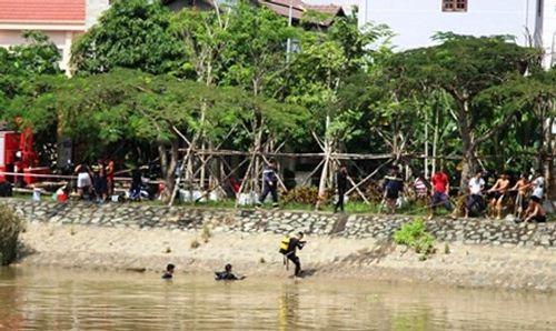 Tìm thấy thi thể hai mẹ con ôm nhau nhảy sông ở TP HCM - Ảnh 1