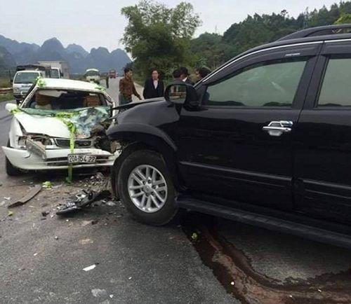 Lạng Sơn: Xe dâu gặp nạn, cô dâu chú rể nhập viện cấp cứu - Ảnh 1