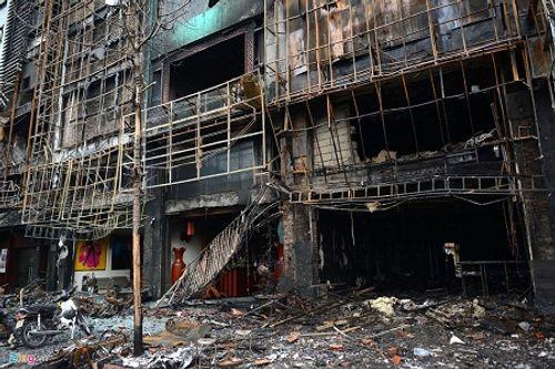 Xác định thiệt hại ban đầu vụ cháy quán karaoke tại Hà Nội - Ảnh 1