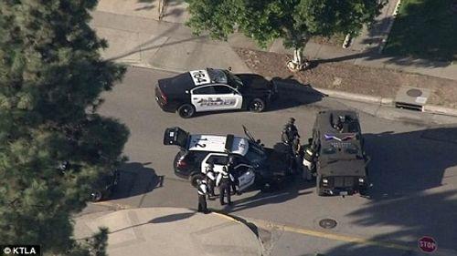Mỹ: Nổ súng khiến 4 người thương vong, 2 điểm bỏ phiếu phải đóng cửa - Ảnh 1