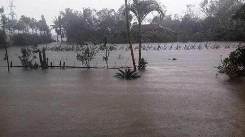 Huế: Nước sông tiếp tục dâng cao, nhiều nhà dân ngập nặng hơn 1m - Ảnh 5