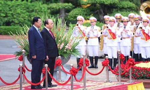 Lễ đón Thủ tướng Campuchia Hun Sen tại Hà Nội - Ảnh 3
