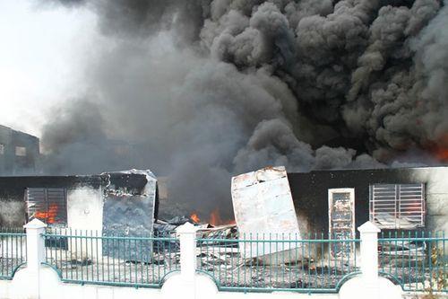 10 vụ cháy nổ kinh hoàng trong năm 2016 - Ảnh 2