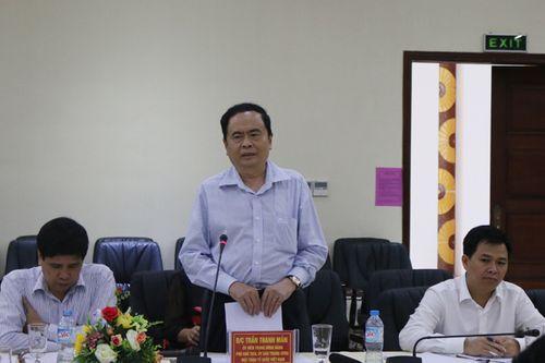 Lào Cai giảm bớt phiền hà cho người dân về thủ tục hành chính - Ảnh 3