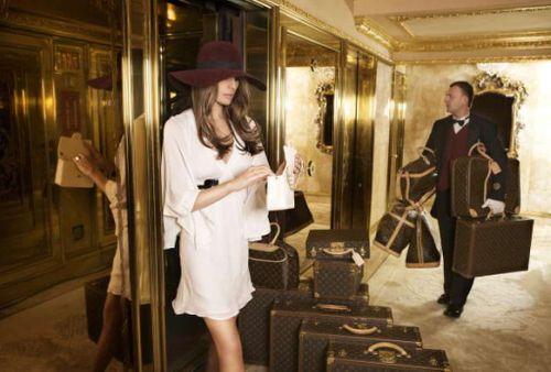 Melania Trump và kho đồ hiệu trị giá hàng triệu đô - Ảnh 8