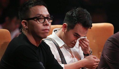 Em trai Khắc Việt bật khóc nức nở khi nhắc đến mẹ trên truyền hình - Ảnh 3