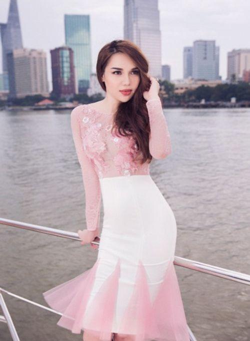 Hoa hậu Diệu Hân kiêu sa trên du thuyền bạc tỷ - Ảnh 3