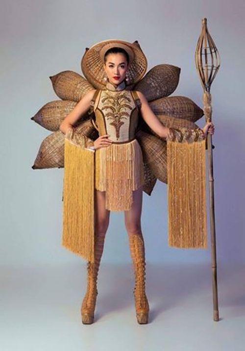 Chưa bao giờ trang phục dân tộc của Việt Nam mới lạ và độc đáo đến thế - Ảnh 2