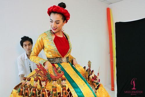 Chưa bao giờ trang phục dân tộc của Việt Nam mới lạ và độc đáo đến thế - Ảnh 3