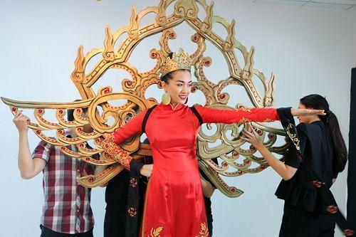 Chưa bao giờ trang phục dân tộc của Việt Nam mới lạ và độc đáo đến thế - Ảnh 5
