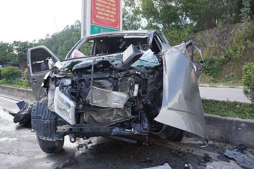 Xe tải bất ngờ chuyển hướng, 1 người chết, 7 người bị thương - Ảnh 1