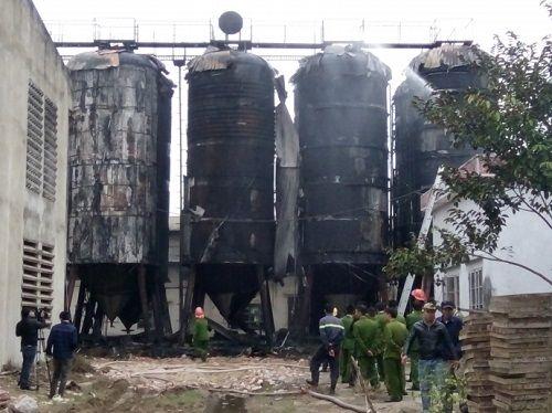 Thanh Hóa: Bà hỏa ghé thăm, 10 bồn chứa bia bị thiêu rụi - Ảnh 2