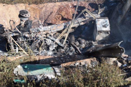 Xe tải bốc cháy sau khi đâm gãy taluy đường, tài xế tử vong - Ảnh 3