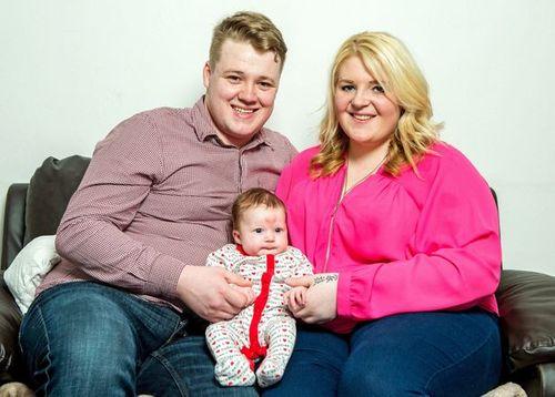 Kì lạ em bé có hình bớt trái tim khi được thụ thai vào ngày Valentine - Ảnh 1