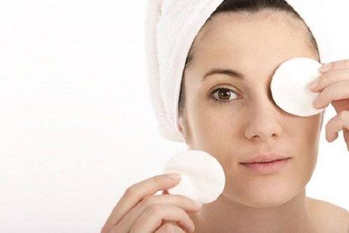 Bật mí các cách làm đẹp da mặt sau sinh bằng sữa mẹ - Ảnh 2