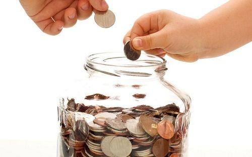 Tiền nhàn rỗi, nên đầu tư hay tiết kiệm - Ảnh 1
