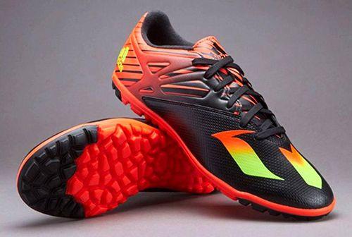 Gợi ý cách chọn giày đá bóng sân cỏ nhân tạo phù hợp với người chơi nhất - Ảnh 1