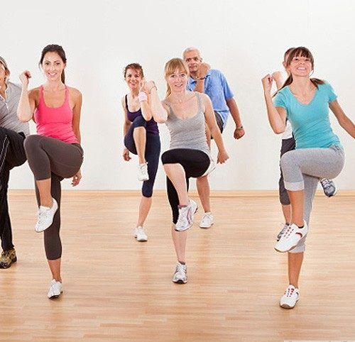4 cách chọn giày tập aerobic phù hợp cho đôi chân - Ảnh 1