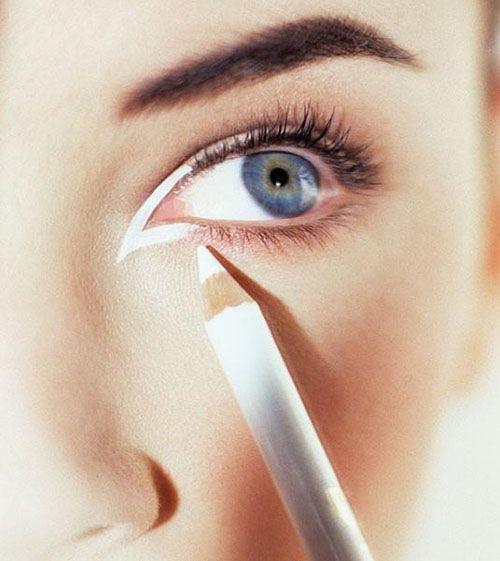 Cách trang điểm cho mắt một mí to tròn, đẹp tự nhiên - Ảnh 4